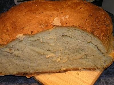 А вот и сам - хлеб
