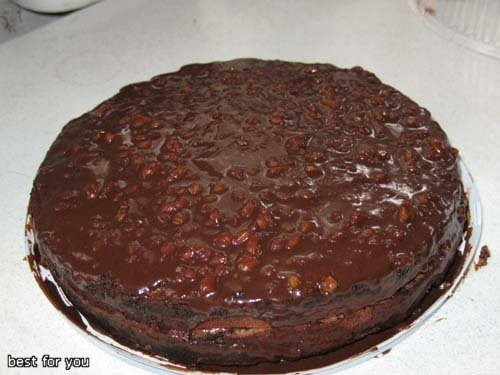 И наконец-то на сладкое был очень вкусный торт - мечта всех шокоголиков