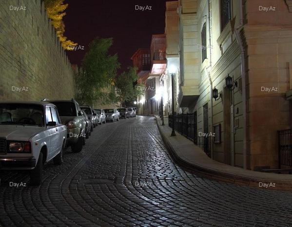 Совсем не по теме, но это наш город Баку, просто, чтоб вы посмотрели и для общей полноты президент... - 2
