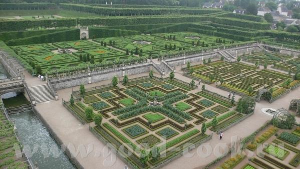 Но самым примечательным в данном замке был сад - 3