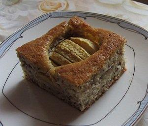 Пекла вчера Яблочный пирог с орехами , очень вкусный оказался