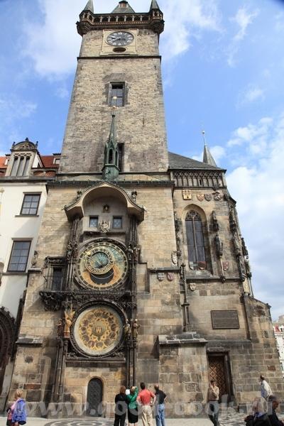Древнейшие Астрономические часы Пороховая башня Просто зарисовки Старого города