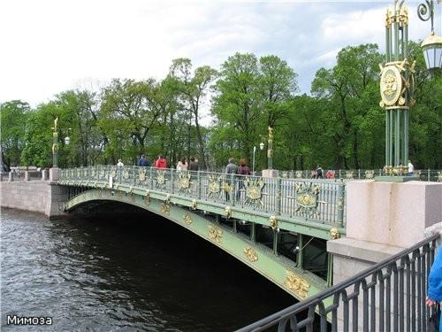 А мы с вами переходим через реку Фонтанку по Пантелеймоновскому мосту - 2