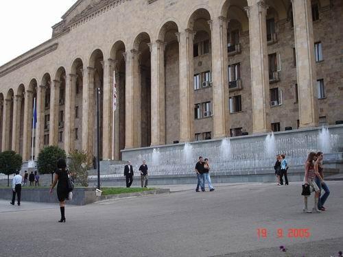 Вот наш дворец правительства
