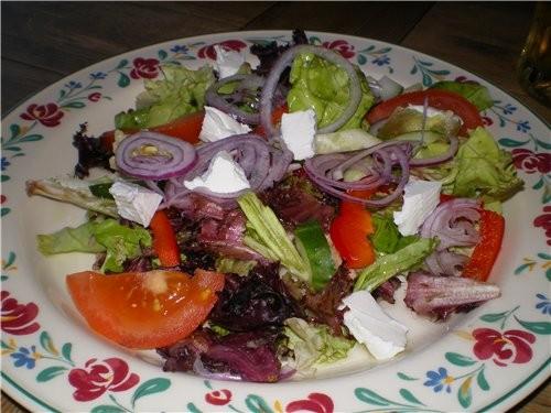 Салатик с овощами и сыром