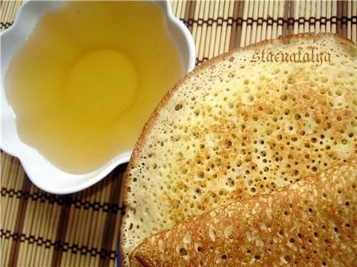 А у нас сегодня на завтрак овсяные блинчики с цветочным медком Блинчики очень нежные, мягкие и вкус...