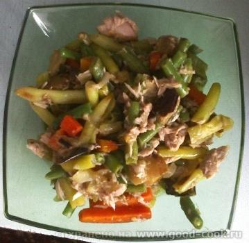 очень аппетитный салатик, можно поподробнее из чего он