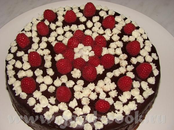 Тортик к домашнему чаепитию (Дочка просила шоколадный с малиной, а маме очень лень уже было, поэтом...