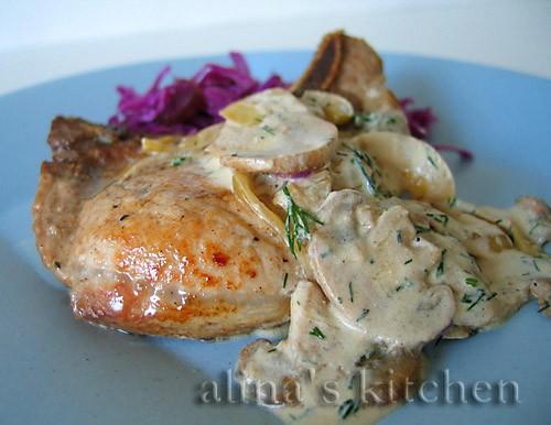 Свинина со сметанно-грибным соусом Быстрое блюдо - от прихода из магазина до ароматной тарелки отби...