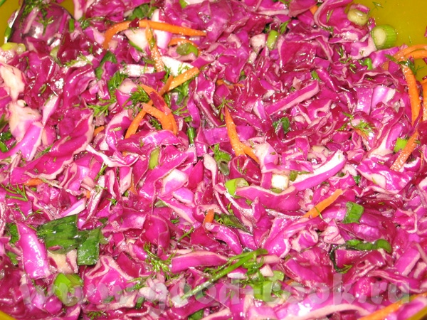 "Салат ""Летний натюрморт"" 1 маленькая красная капуста корейская морковка - 150-200 гр зеленый лук ук..."