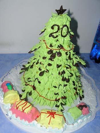 Ой, девочки, столько тортиков красивых к новому году, а какие мышата, а какая барби, молодчинки