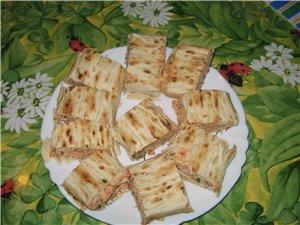 Лавашные рулетики Разные сорта колбасы с овощами от Нелли Рыба Ето индейка, запеченная в томатном с...