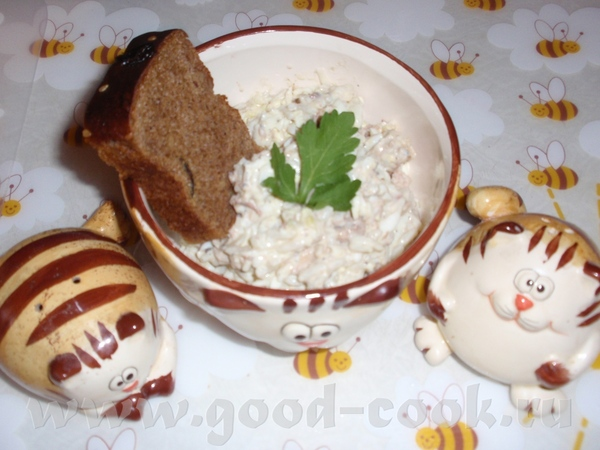 Салат из риса и сайры Взять: сайра консервированная – 1 банка, рис – 150 г, яйца – 4 шт