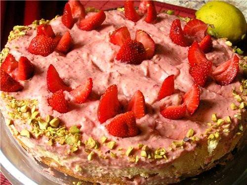 Сейчас сезон клубники, поэтому тоже покажу несколько клубничных тортов Обсыпной торт с клубничным к... - 5