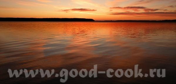 Есть вот такая книга и вот такие фото- закат бывает очень разный: The intense red and orange hues o... - 5
