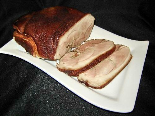 Свиной рулет,сваренный в луковой шелухе Свиная нога 2 кг вода - 3 л соль -500 г чёрный перец 10 гор...