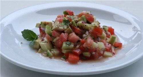 Вкусный салатик, сочный, острый