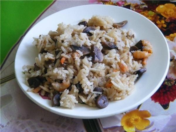 """Рис с шампиньонами и креветками Шампиньоны порезать и в мультю на растительном масле """"Выпечка"""" мину..."""