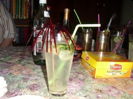 Вот мой стол, на моем 21 летии К тортику коктейль Мохито - 5
