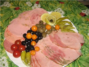 Лавашные рулетики Разные сорта колбасы с овощами от Нелли Рыба Ето индейка, запеченная в томатном с... - 2