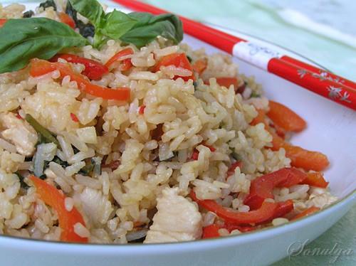 Жаренный Рис по-Тайски с Базиликом