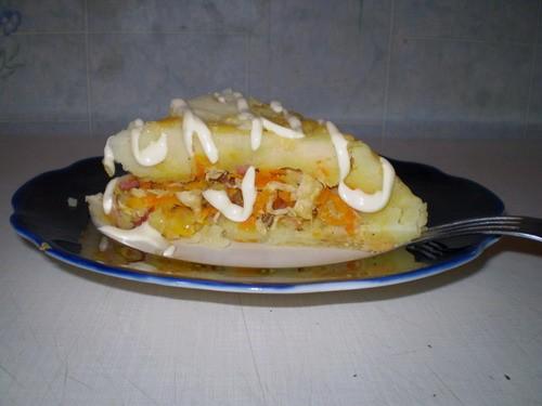 Вкусная ХрюШка 1,5-2 кг картошки, 1 большая морковка, 1 большая луковица, 2 куриных филе, 50 г твер... - 3