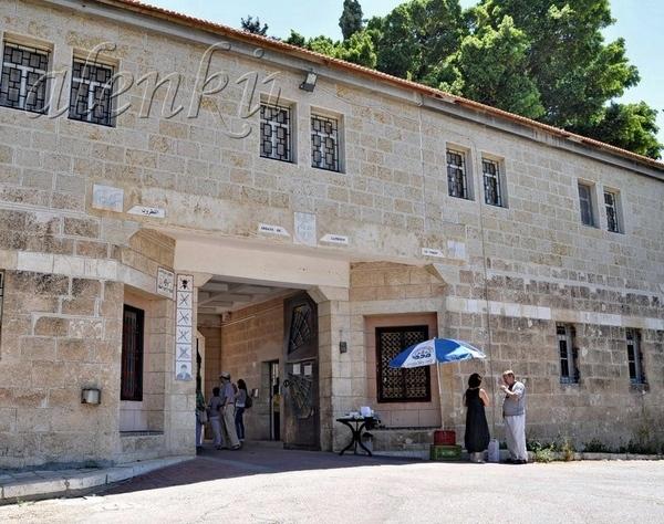 Католический мужской монастырь был основан в 1890 г