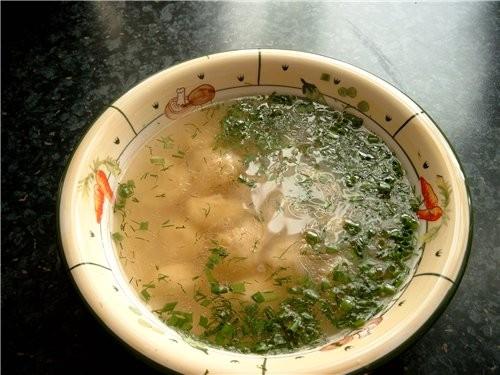 Куриный суп с клёцками из манки