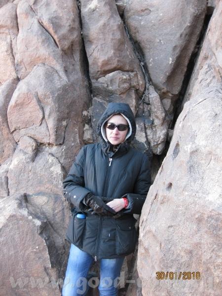 Так живут местные бедуины, это дом бедуина А вон там внизу Монастырь Святой Екатерины, к которому м...
