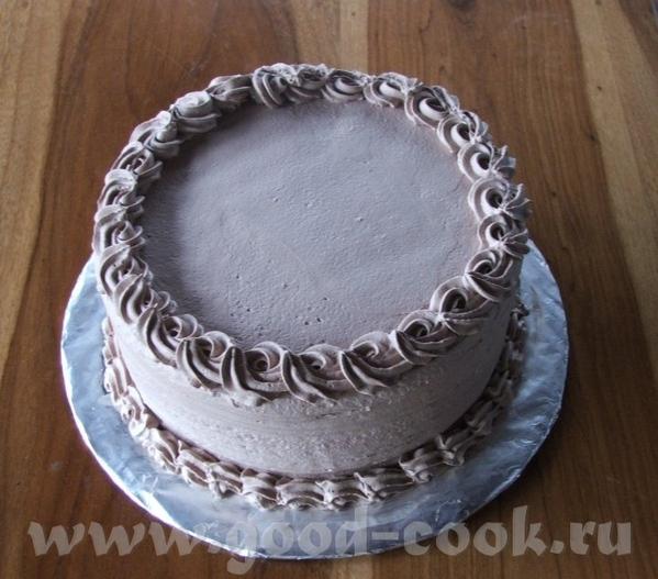 а это мой самый последний, попросили сделать простой торт без украшений, но желательно с шоколадным...