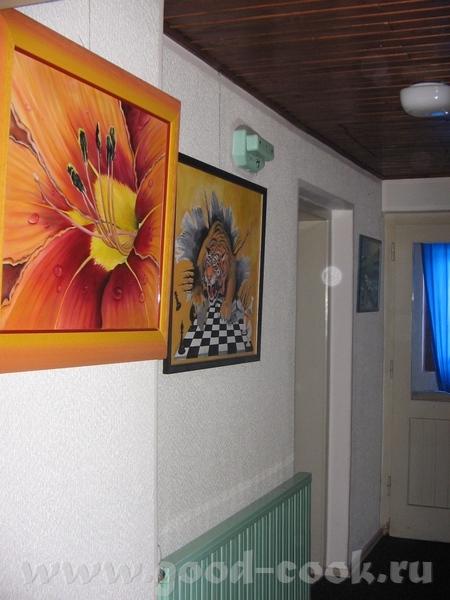 вот обещанное это спальня в ней было свободных две стены вот так сейчас выгледят коридор на другой... - 3