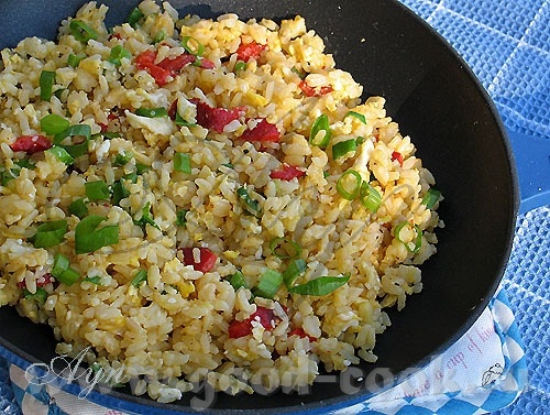 Жареный рис (Fried Rice) - это азиатское блюдо