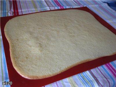 """Торт """"Снеговик"""" (с вишневым и шоколадным кремом) Ингредиенты: Бисквит (на 1 корж) : - 3 яйца (комна... - 4"""