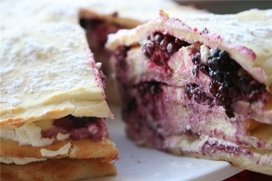 Торт из заварного теста с голубикой 1,5 стакана голубики 150 г муки 1 ч - 2