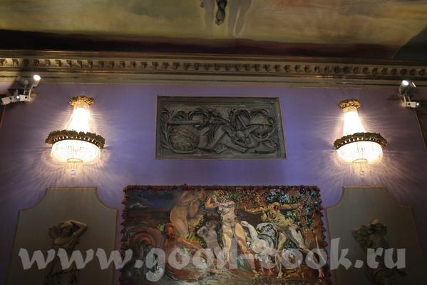 Это всё тот же внутренний дворик с разных сторон А это некоторые работы Салвадора Дали, которые пре... - 7