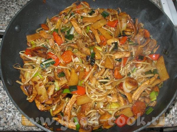 Китайское Ингридиенты: Морковка 1-2 Лук-порей Перец болгарский 1-2 шт