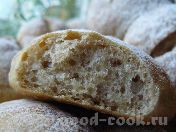 Ржаные булочки мы часто в субботу покупаем в пекарне на колёсах на рынке, я думала, что должно полу...