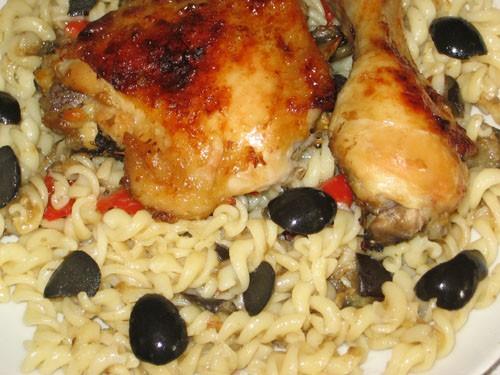 Ароматная курица с салатом из перцев И это наш пятничный ужин: Все рецепты ЗДЕСЬ