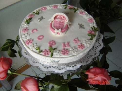 Торт бисквитный с творожным суфле