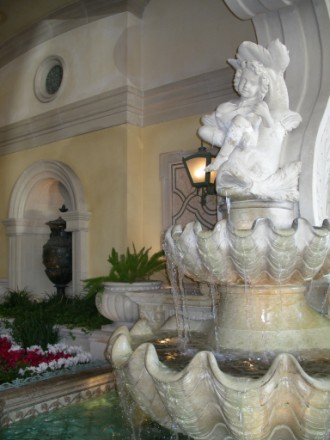 Нy и конечно же знаменитые поющие фонтаны у Белажиo кстати, по этой ссылке вы можете посмотреть фра... - 6