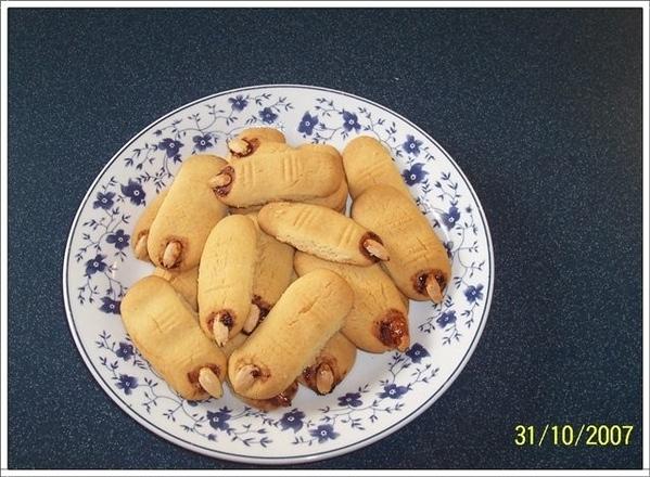 """А ещё печенье делала""""Ведьмины пальцы"""" До выпечки они выглядели так а после вот как Как вы думаете,с... - 2"""