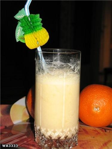 А у меня любимый безалкогольный коктейльчик: любой сок+молоко+капелька меда Ничего, если я фотки по...