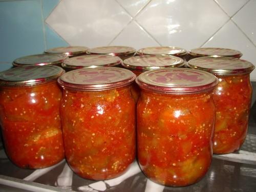 БАКЛАЖАНЫ В АДЖИКЕ от Viki (прямо стихами заговорила ) * 3 кг баклажан; * 3 кг помидор; * 1 кг болг...