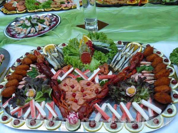Ездили на свадьбу и я запечатлела стол с холодными закусками - 4