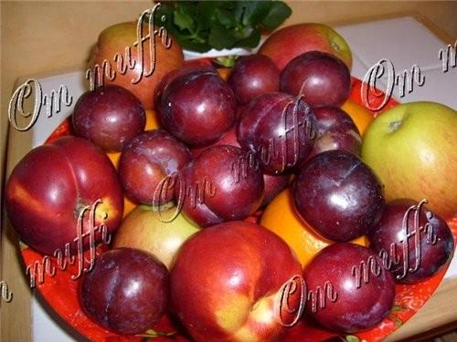 Я вам девоньки, фрукту принесла Выбирай, кому что нравится и на здоровье Апельсины, яблоки, никтари...