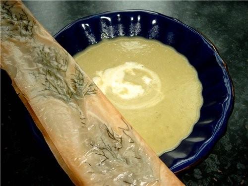 Хрустяшки с травой или сыром Тесто Фило любая имеюшаяся зелен(укроп, петрушка), сыр - 2
