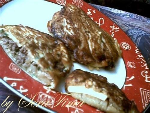 Баклажаны в кляре от Алены (жареные баклажаны прослаиваются сыром или мяском и обжариваюЦЦа в кляре