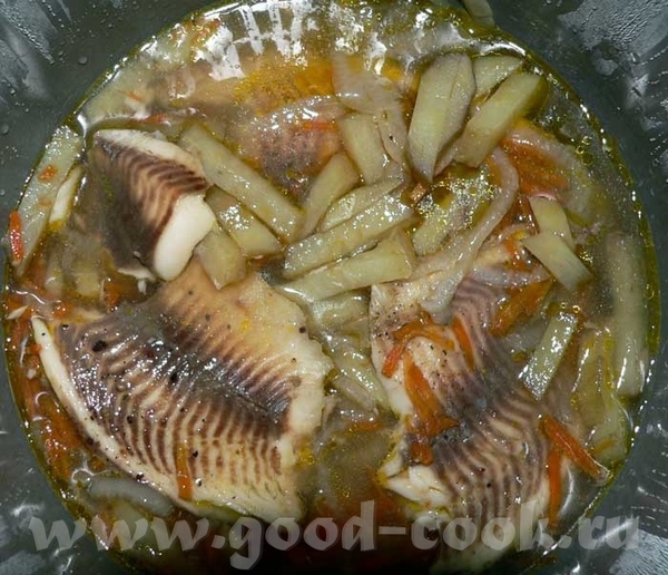 Тилапия на овощной подушке Инградиенты: 2 луковицы 1 крупная морковка 1 крупная картошка 6 филе тил...
