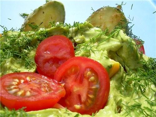 Из-за жары eсли и хочется кушать, то только овощи, увидела у Вalерия салатик, все овощи для него у...
