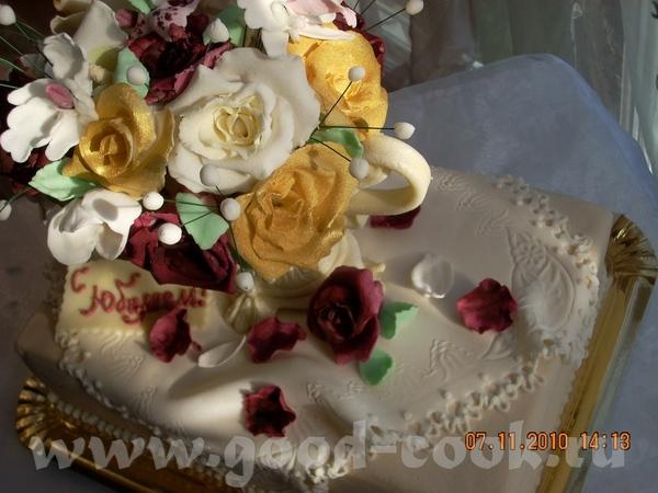 Юбилейный торт Ваза с цветами - 4